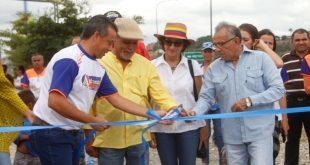 """Alcalde José Barreras realizó programa """"Un día por mi Comunidad"""" en el sector El Roble"""