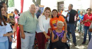 """Alcaldesa de Morán realizó jornada social """"Sembrando Esperanza"""""""