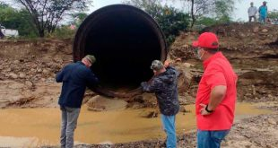 Trabajos en las tuberias para restalecer el servicio del agua avanzan en 60%