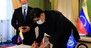 Firma del memorandum de entendimiento entre Nicolás Maduro y El PMA